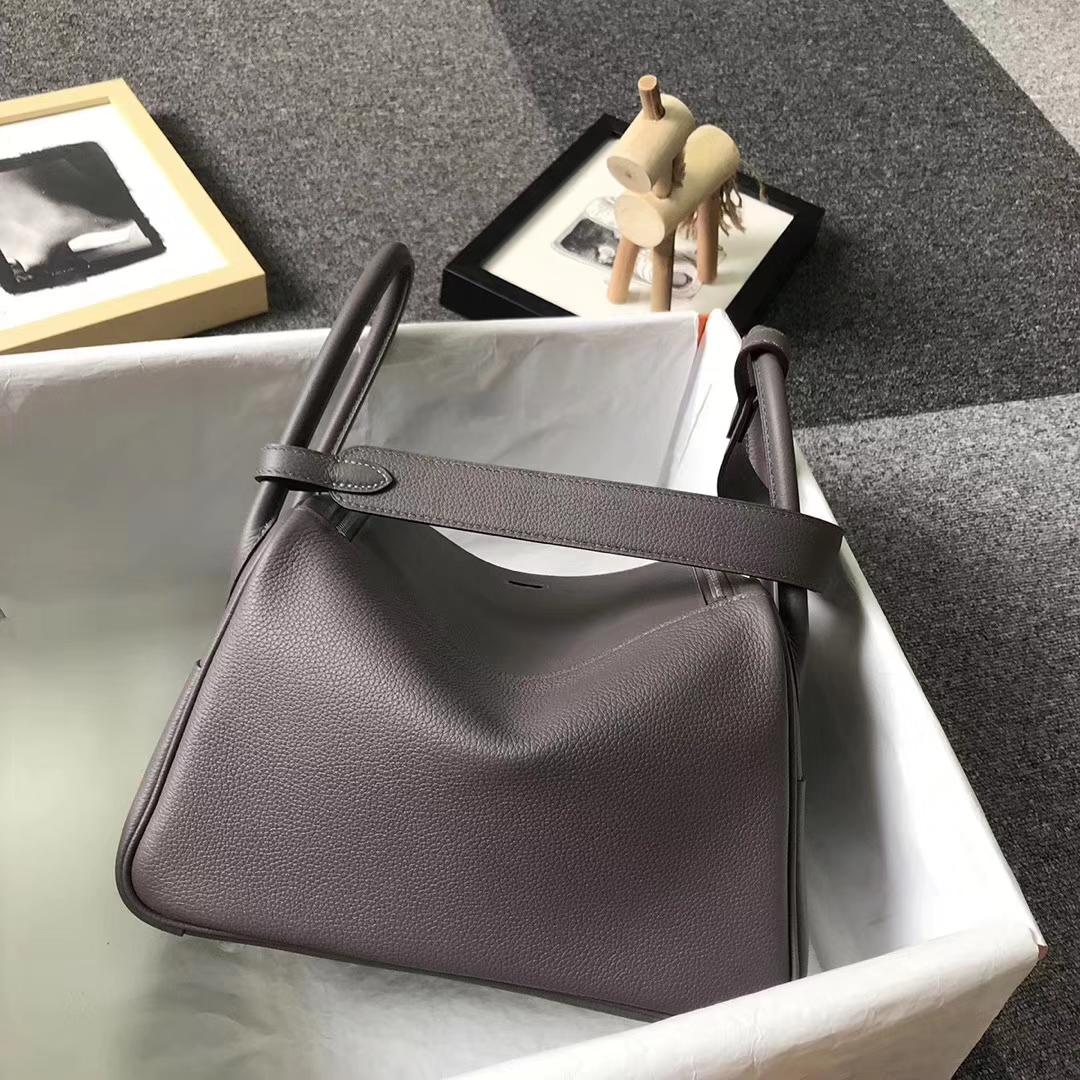 Hermès(爱马仕)8F锡器灰 原厂御用顶级小牛皮 Lindy 26 银扣