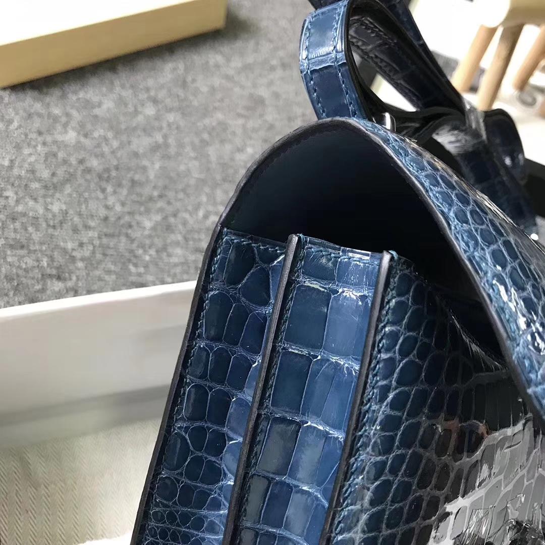 Hermès(爱马仕)风暴蓝 Constance 19 亮面鳄鱼 银扣