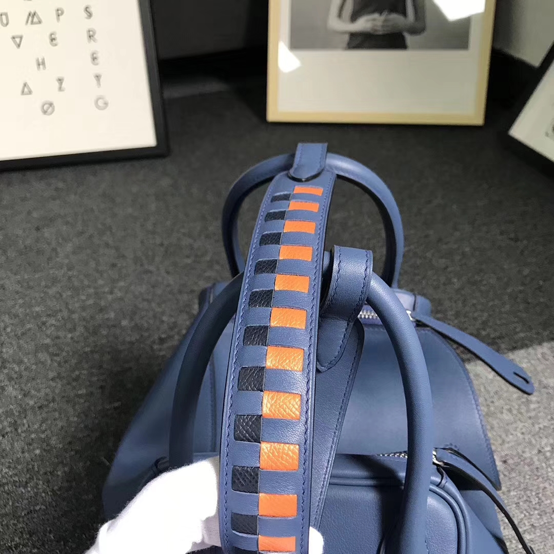 Hermès(爱马仕)玛瑙蓝 原厂御用顶级Swift 皮 编织肩带 Lindy 30 银扣