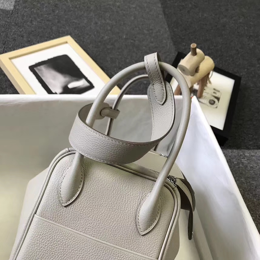Hermès(爱马仕)C80 珍珠灰 原厂御用顶级小牛皮 Lindy 26 银扣 现货