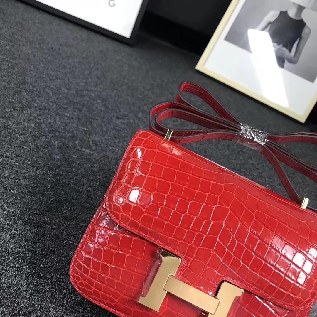 Hermès(爱马仕)法拉利红 亮面鳄 Constance 19 金扣