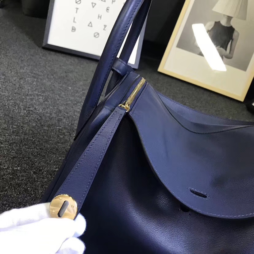 Hermès(爱马仕)鸭子蓝拼石榴红 原厂御用顶级Swift 皮 Lindy 30 金扣 现货