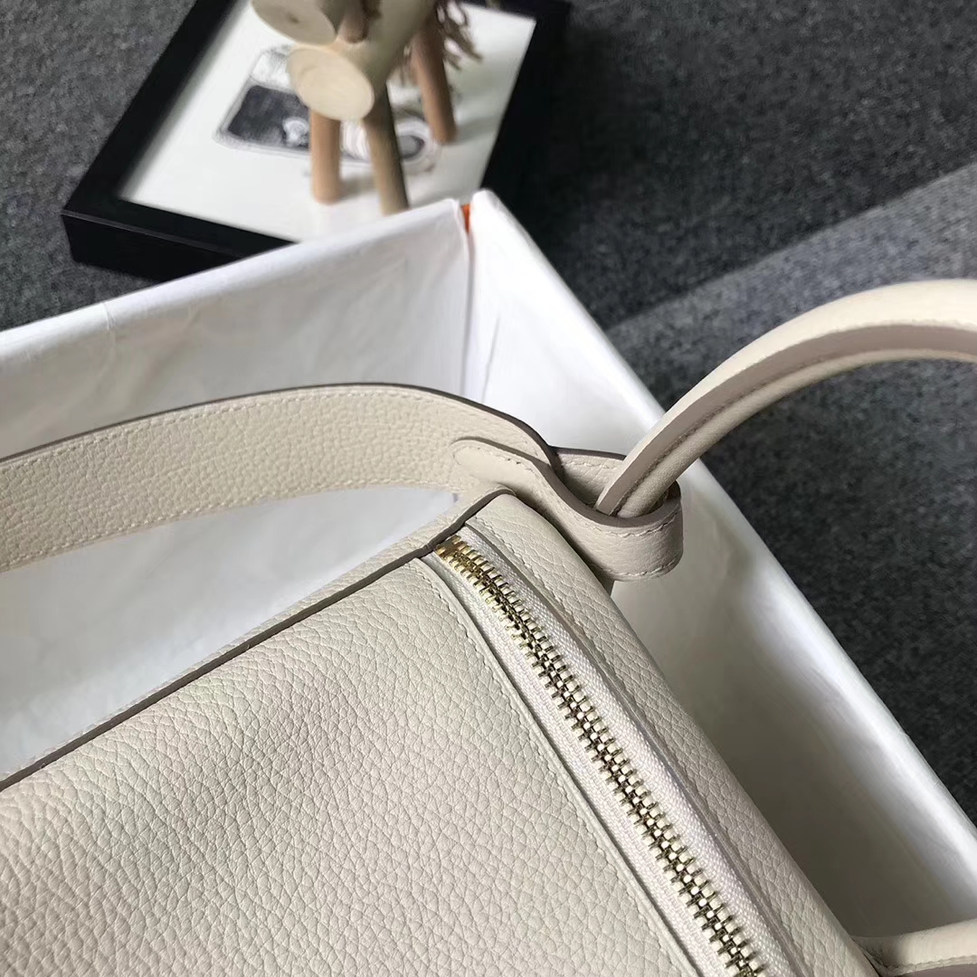 Hermès(爱马仕)奶昔白 原厂御用顶级小牛皮 Lindy 30 金扣