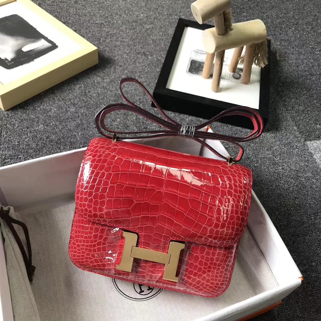 Hermès(爱马仕)法拉利红 Constance 24 亮面鳄鱼 金扣