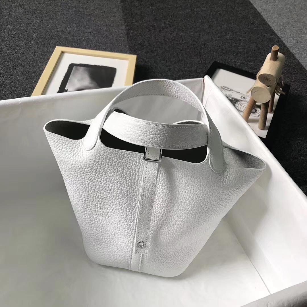 Hermès(爱马仕)纯白色 原厂御用顶级TC皮 Picotin  Lock 18 CM 银扣