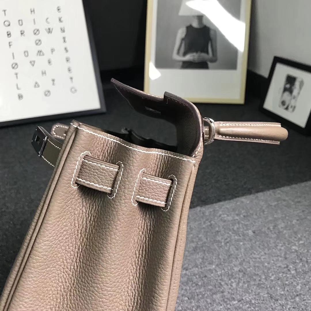 Hermès(爱马仕)大象灰 原厂御用顶级小牛皮 Kelly 28 金扣 银扣  现货