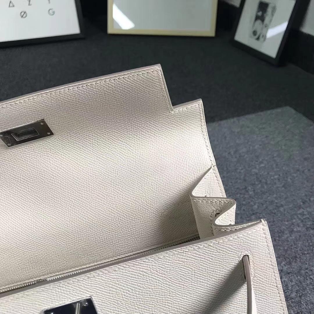 Hermès(爱马仕)奶昔白 原厂御用顶级Epsom 皮 Kelly 28 外缝 银扣