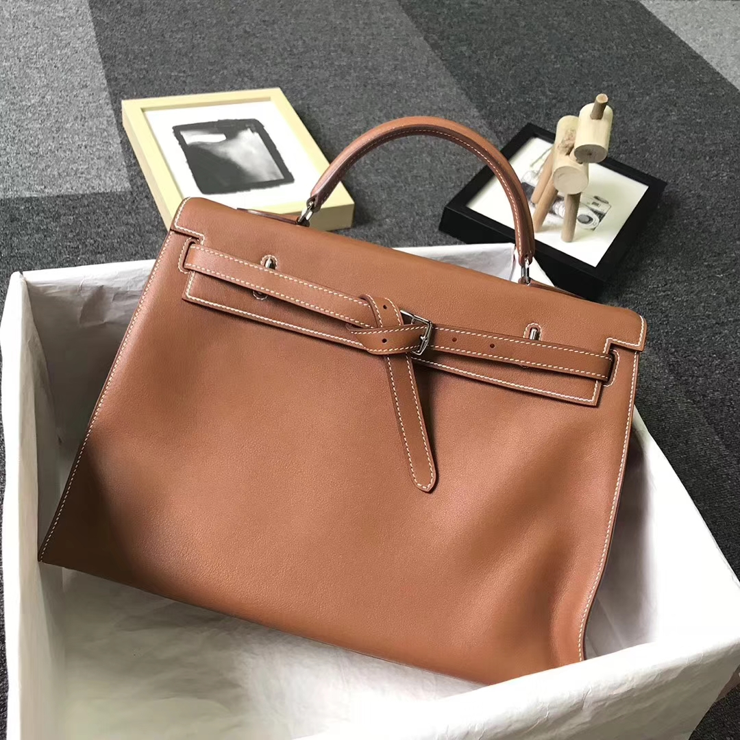 Hermès(爱马仕)浅咖啡 原厂御用顶级Swift 皮 Kelly Flat 35 外缝 现货