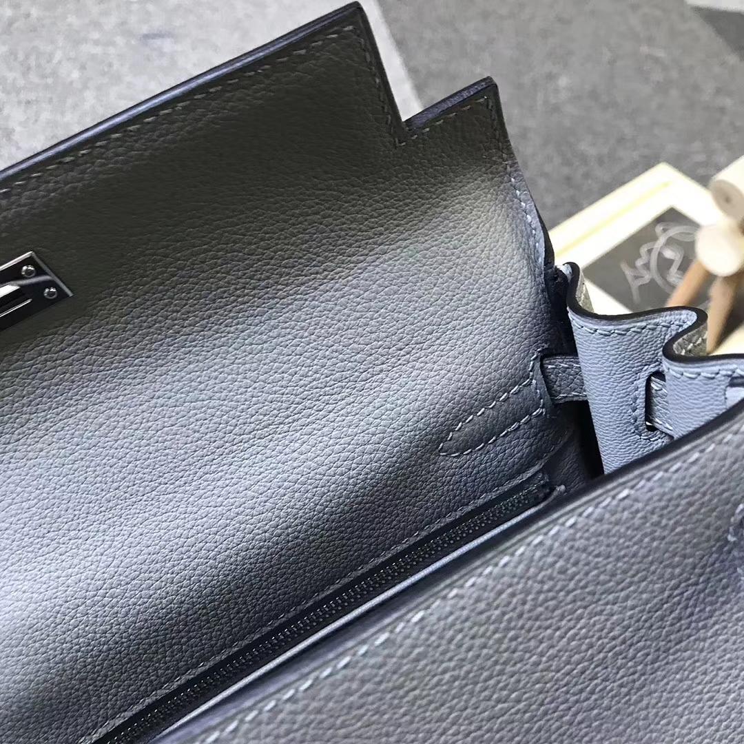 Hermès(爱马仕)4Z海鸥灰 原厂御用顶级小牛皮 Kelly 25 银扣