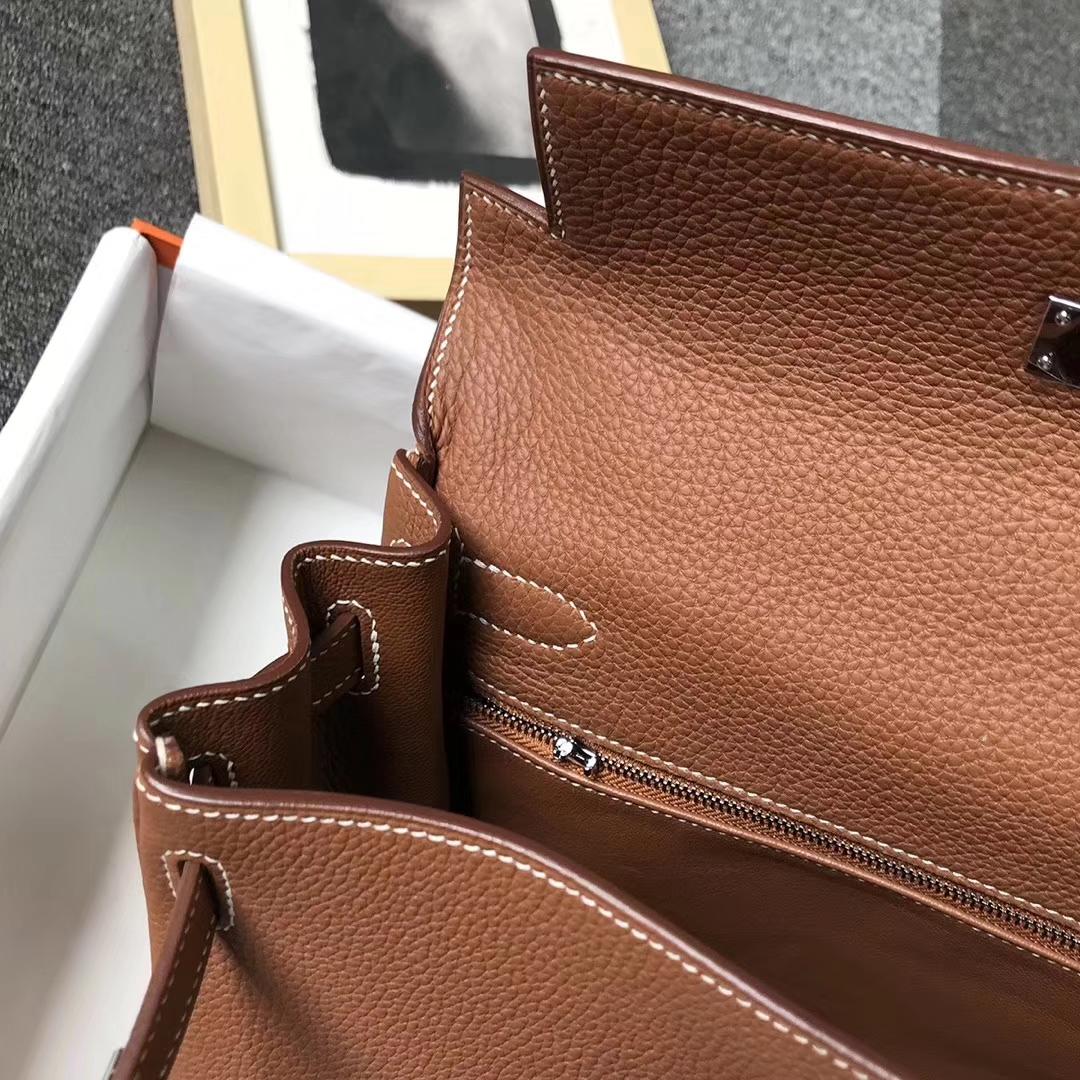 Hermès(爱马仕)C37浅咖啡 原厂御用顶级小牛皮 Kelly 28 银扣 现货