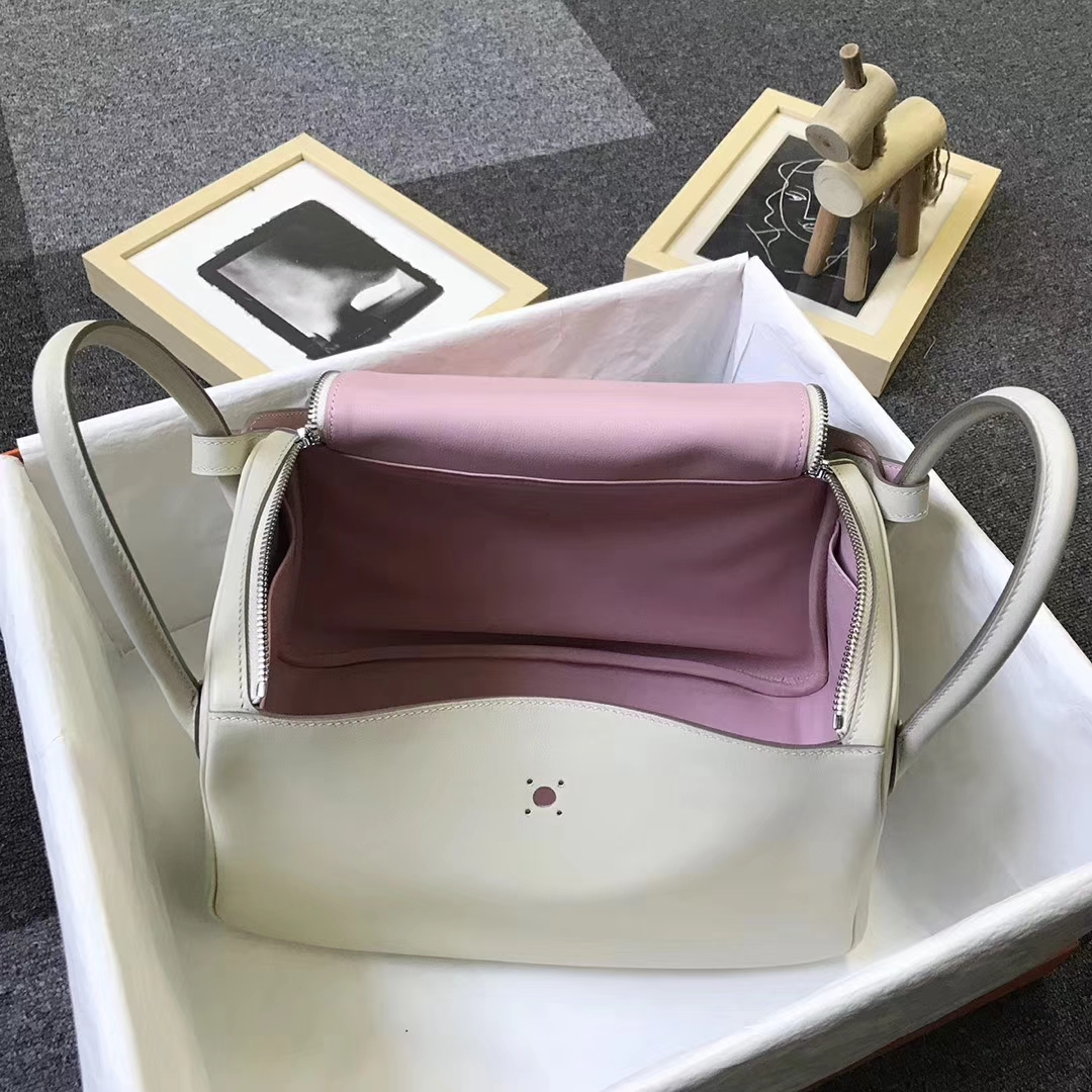 Hermès(爱马仕)奶昔白拼3Q新樱花粉 原厂御用顶级Swift 皮 Lindy 30 银扣