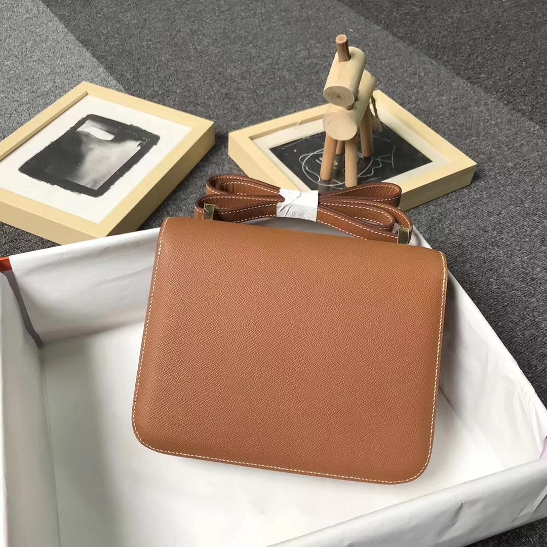 Hermès(爱马仕)金棕色 原厂御用顶级Epsom 皮 Constance 24 金扣 现货