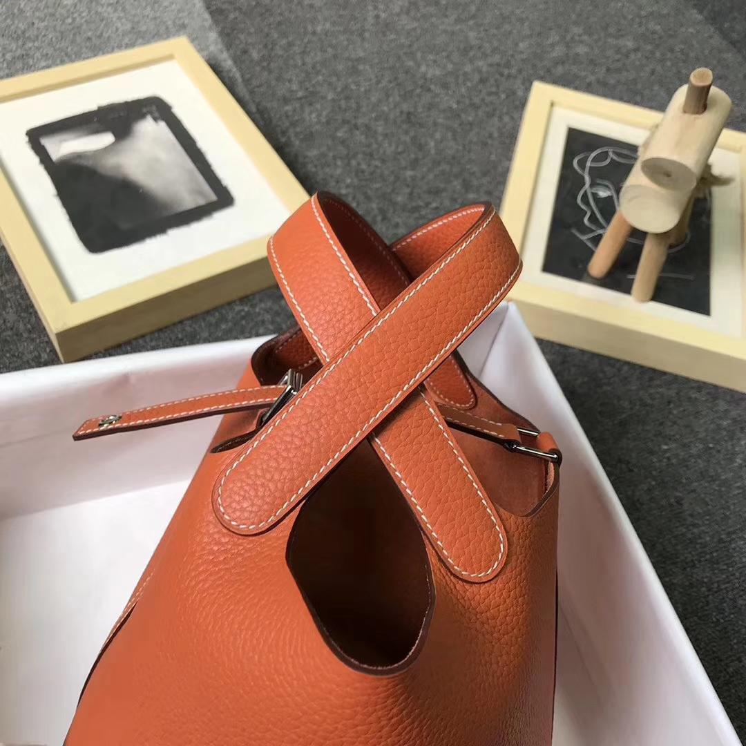 Hermès(爱马仕)经典橙色 走白色线 原厂御用顶级TC 皮 Picotin  Lock 18cm 银扣