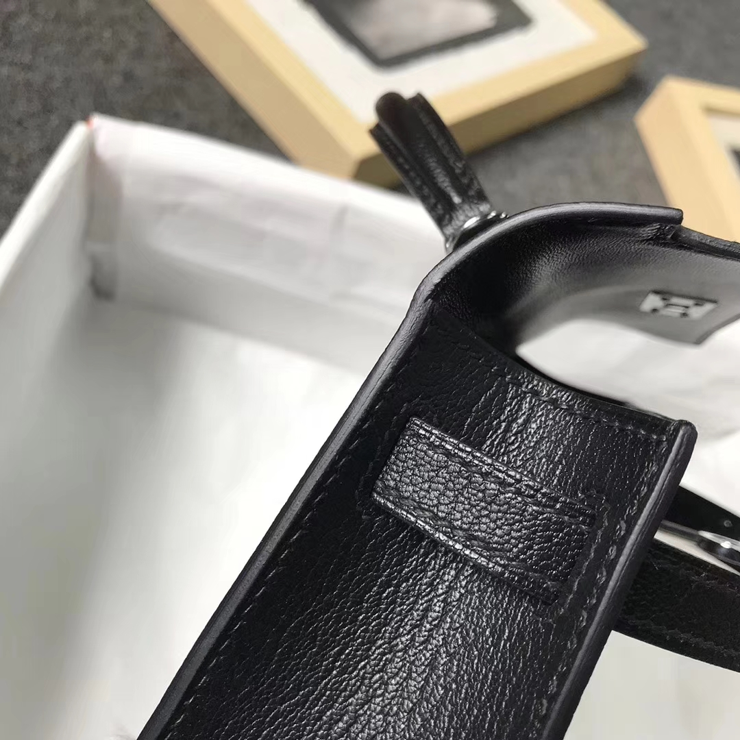Hermès(爱马仕)黑色 原厂御用顶级山羊皮 Mini Kelly 二代 金扣 现货 银扣