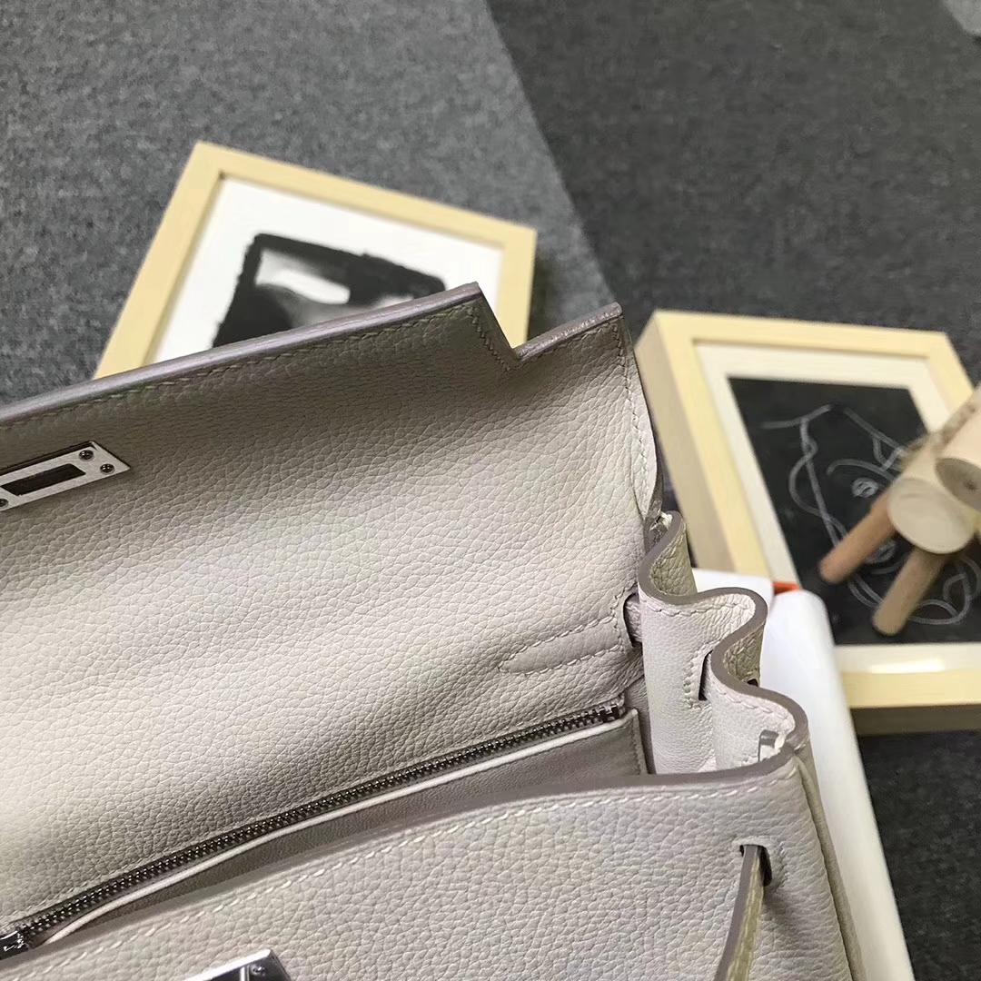 Hermès(爱马仕)奶昔白 原厂御用顶级小牛皮 Kelly 25 银扣 现货