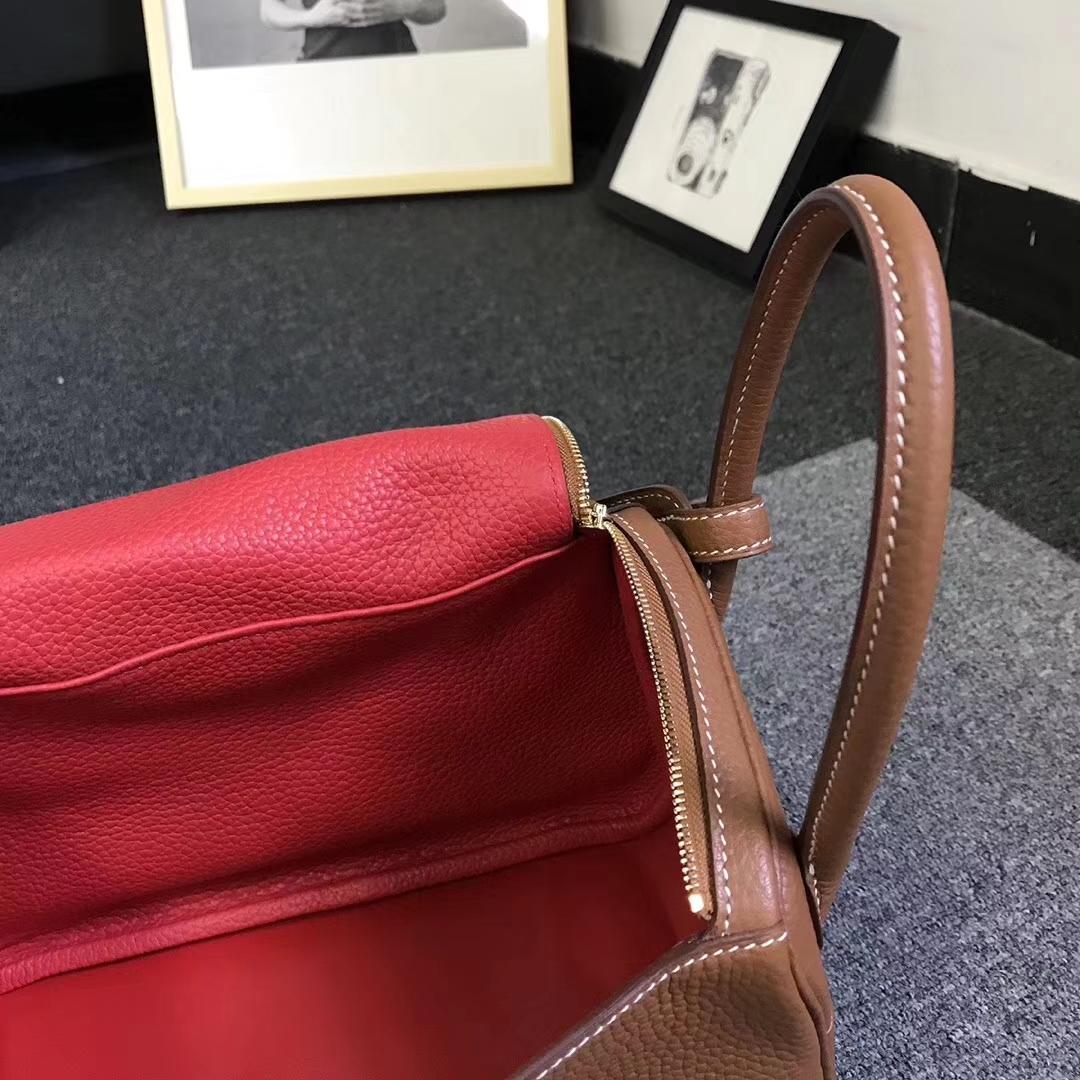 Hermès(爱马仕)金棕色内拼番茄红 原厂御用顶级TC 皮 Lindy 26 金扣