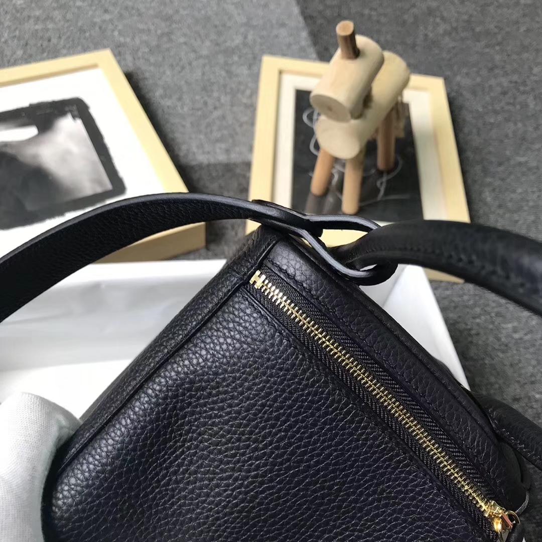 Hermès(爱马仕)黑色 原厂御用顶级TC 皮 Lindy 26 金扣 现货