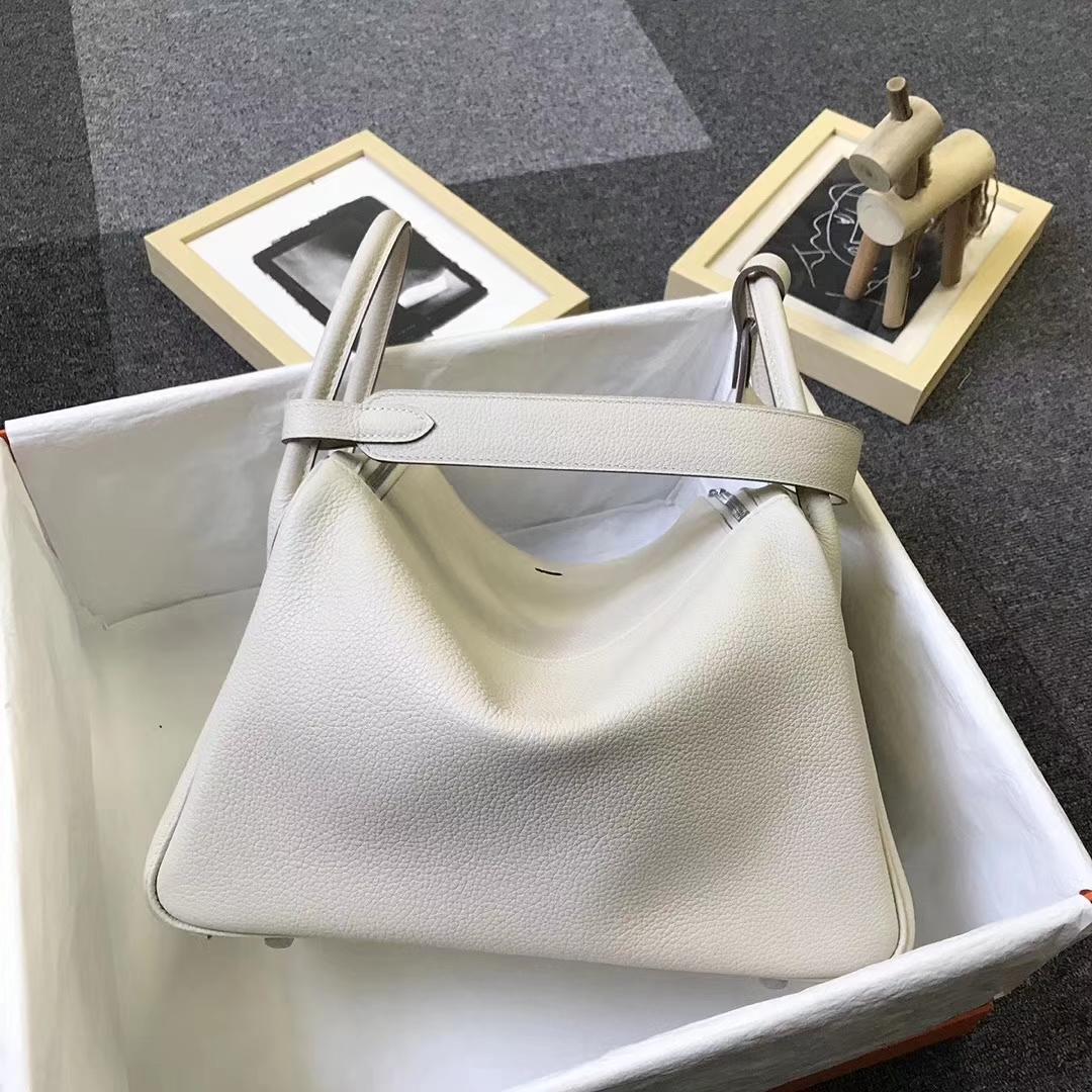 Hermès(爱马仕)奶昔白 原厂御用顶级小牛皮 Lindy 30 银扣