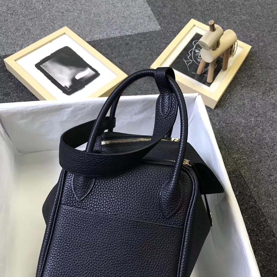 Hermès(爱马仕)黑色 原厂御用顶级小牛皮 Lindy 30 金扣 银扣 现货