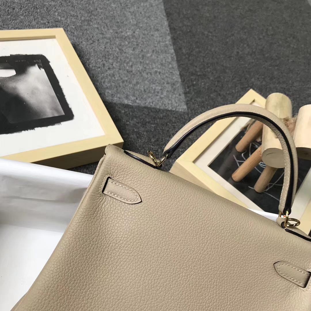Hermès(爱马仕)S2 风衣灰 原厂御用顶级小牛皮 Kelly 25 金扣 现货