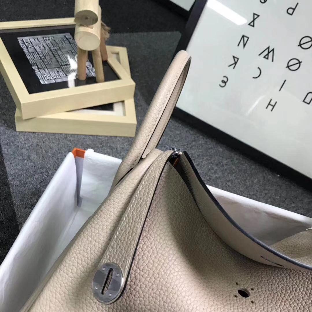 Hermès(爱马仕)S2 风衣灰 原厂御用顶级TC 皮 Lindy 30 银扣