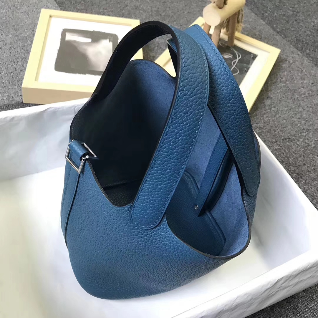 Hermès(爱马仕)鸭子蓝 原厂御用顶级TC 皮 Picotin  Lock 18 cm 银扣