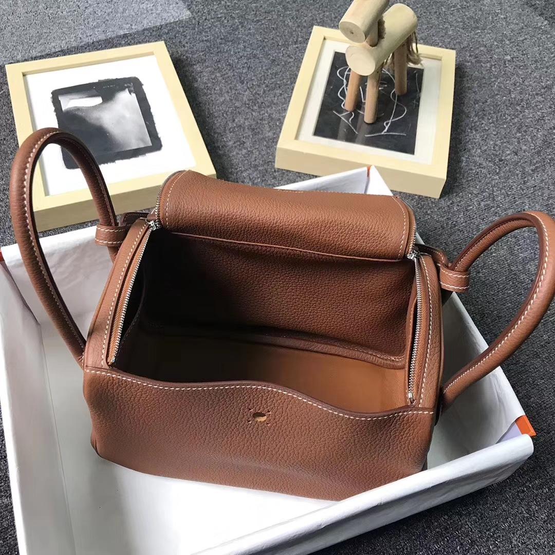 Hermès(爱马仕)金棕色 原厂御用顶级TC 皮 Lindy 26 金扣 银扣 现货