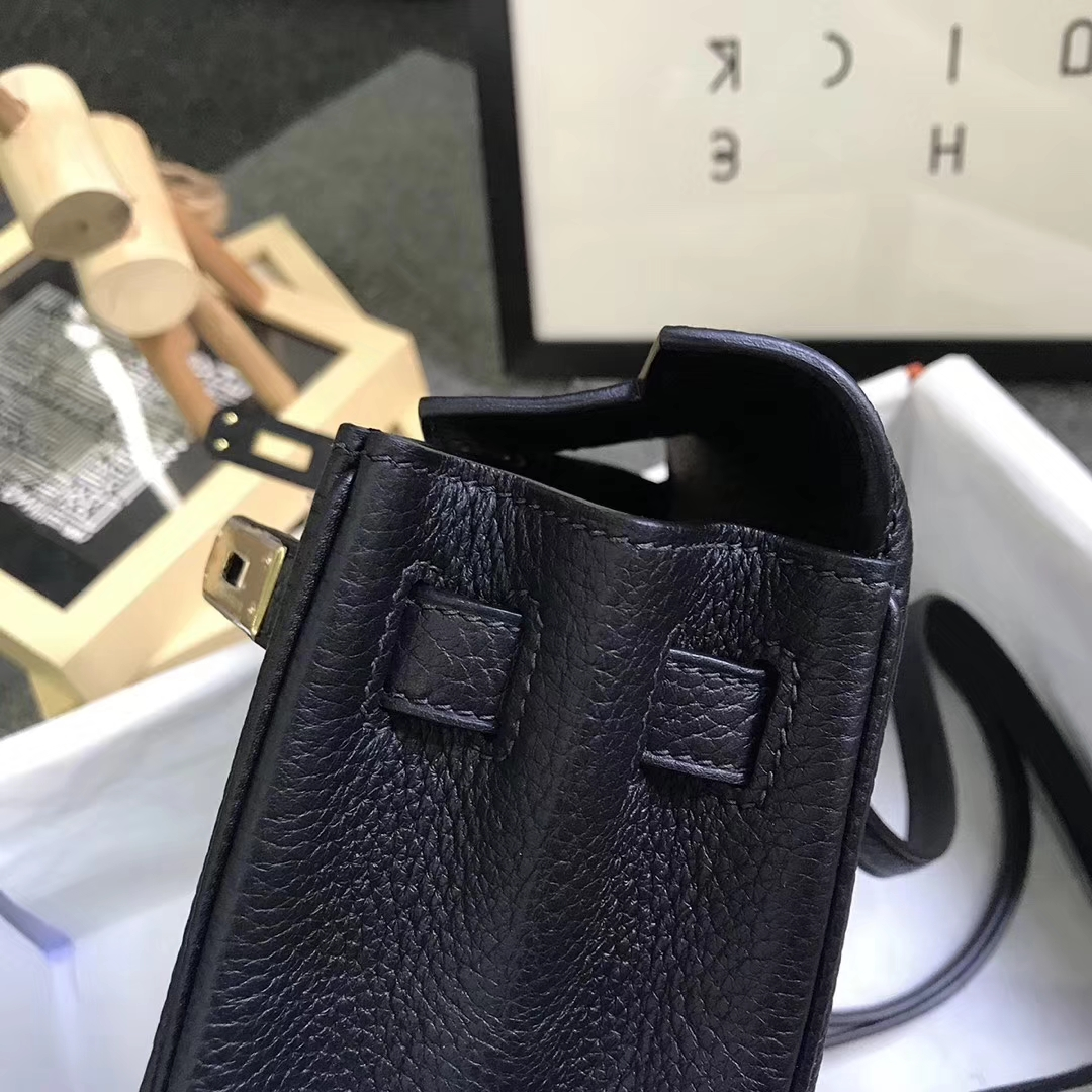 Hermès(爱马仕)黑色 原厂御用顶级TC 皮 Kelly  ado 20 金扣