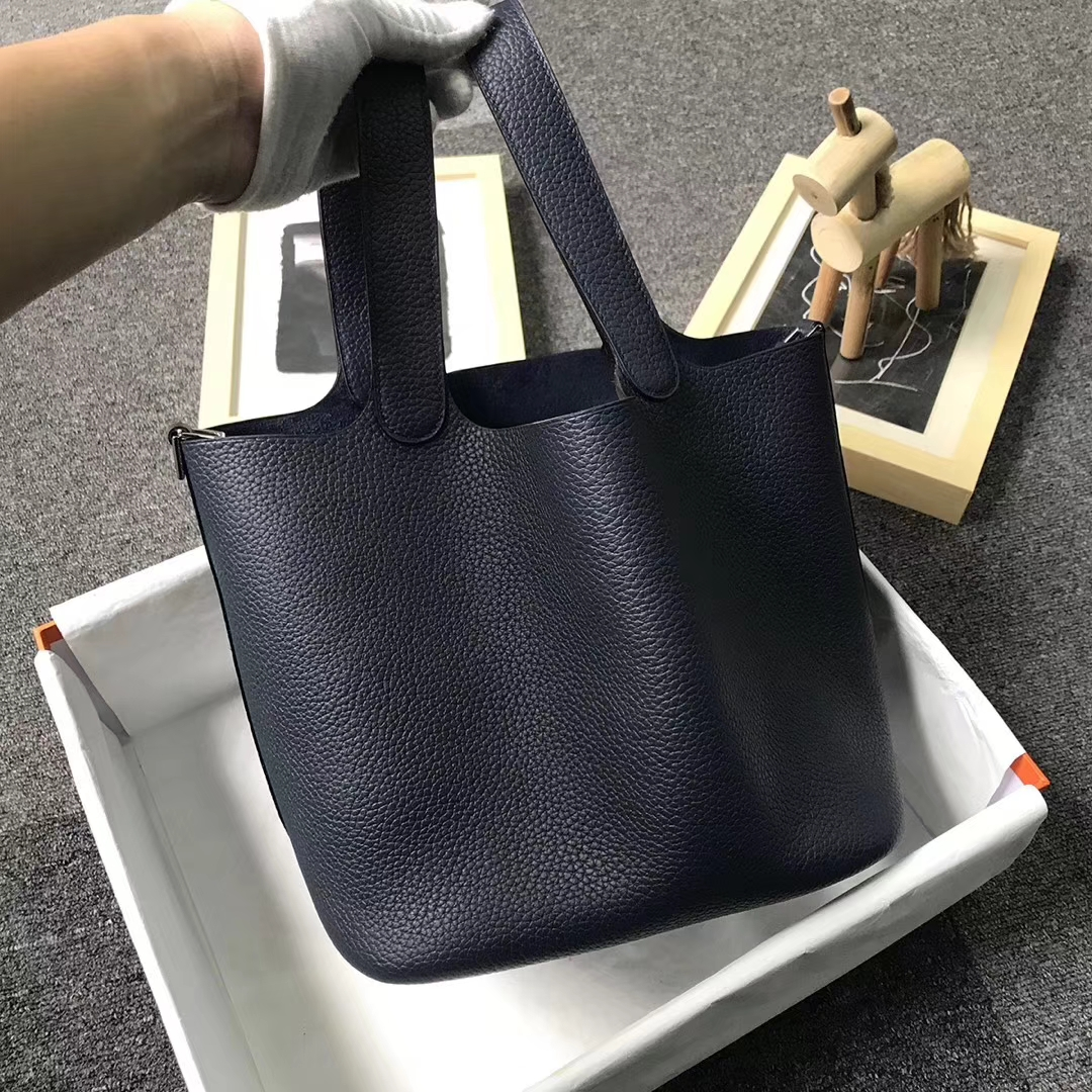 Hermès(爱马仕)午夜蓝 原厂御用顶级TC 皮 Picotin  Lock 22cm 银扣