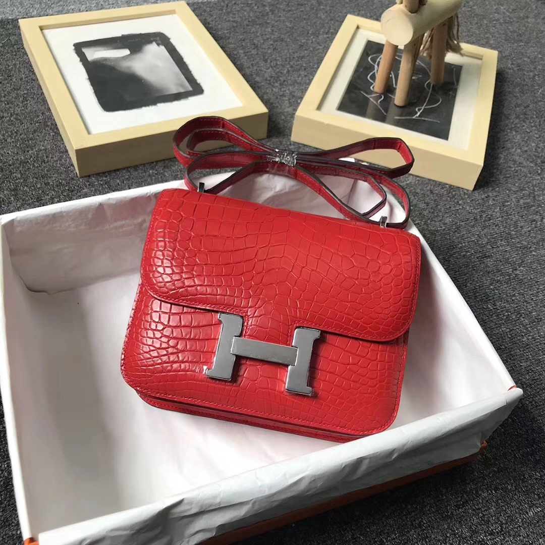 Hermès(爱马仕)法拉利红雾面鳄鱼 Constance 19 银扣