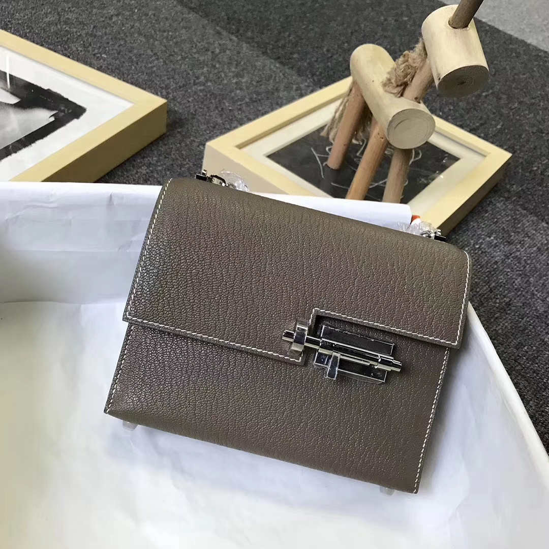 Hermès(爱马仕)CK18大象灰 原厂御用顶级山羊皮 Verrou 插销包