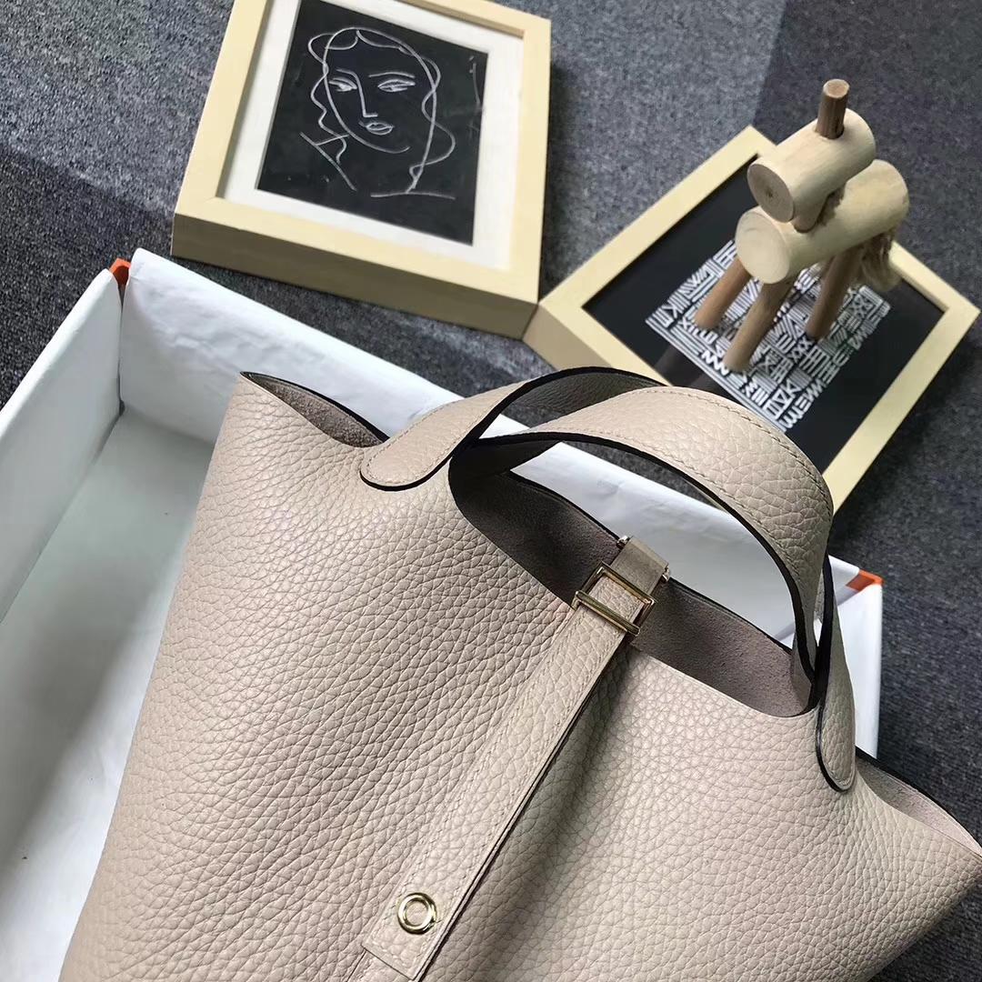 Hermès(爱马仕)S2 风衣灰 原厂御用顶级TC 皮 Picotin  Lock 18 cm 金扣