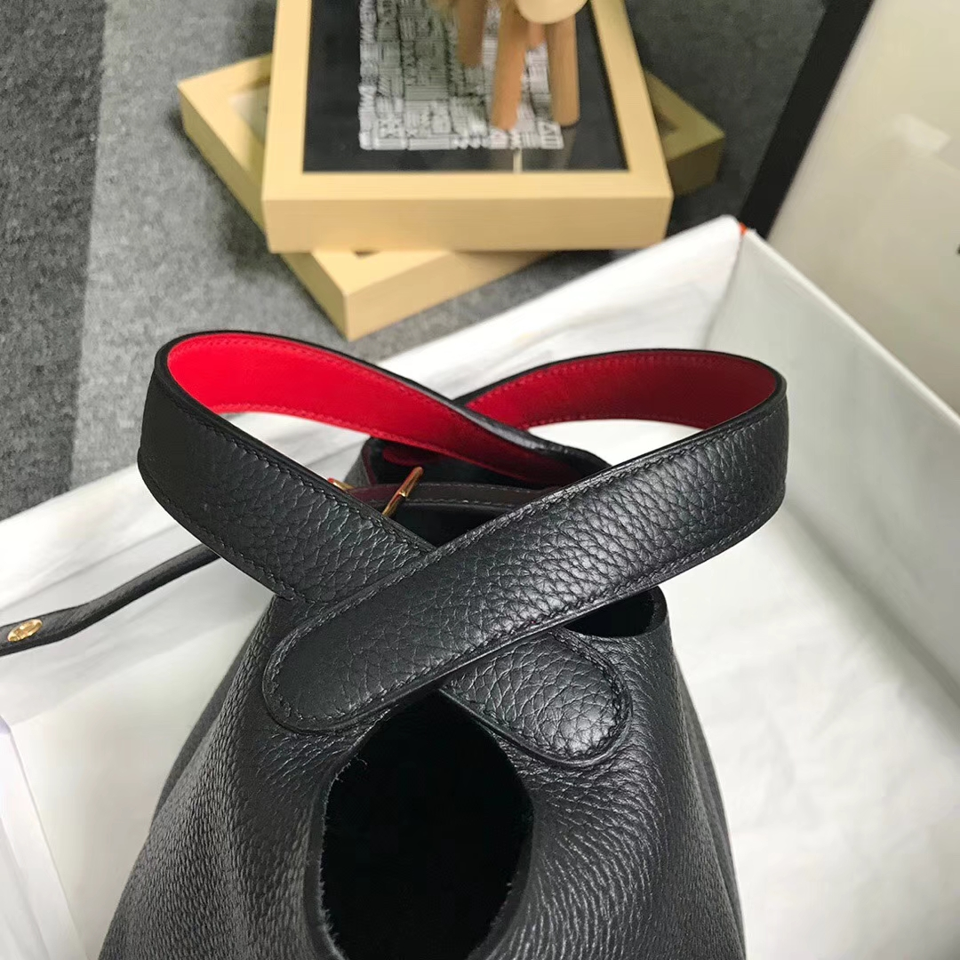 Hermès(爱马仕)黑色内拼红色 原厂御用顶级TC 皮 Picotin  Lock 18cm 金扣
