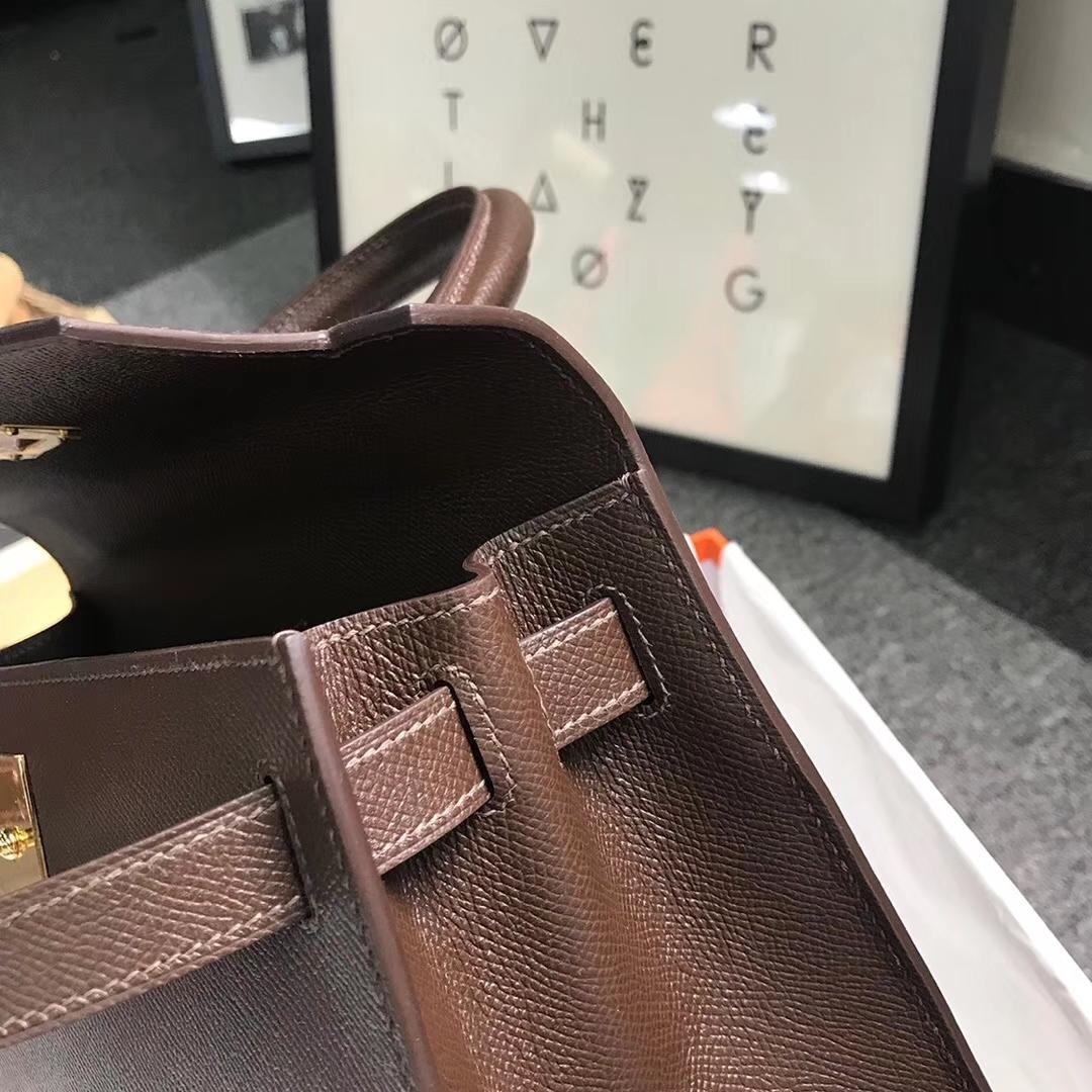 Hermès(爱马仕)巧克力色 原厂御用顶级Epsom 皮 Kelly 28 外缝 金扣