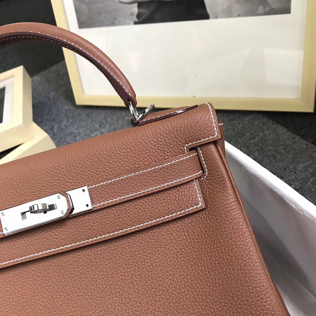 Hermès(爱马仕)金棕色 原厂御用顶级小牛 皮 Kelly 32 银扣 现货