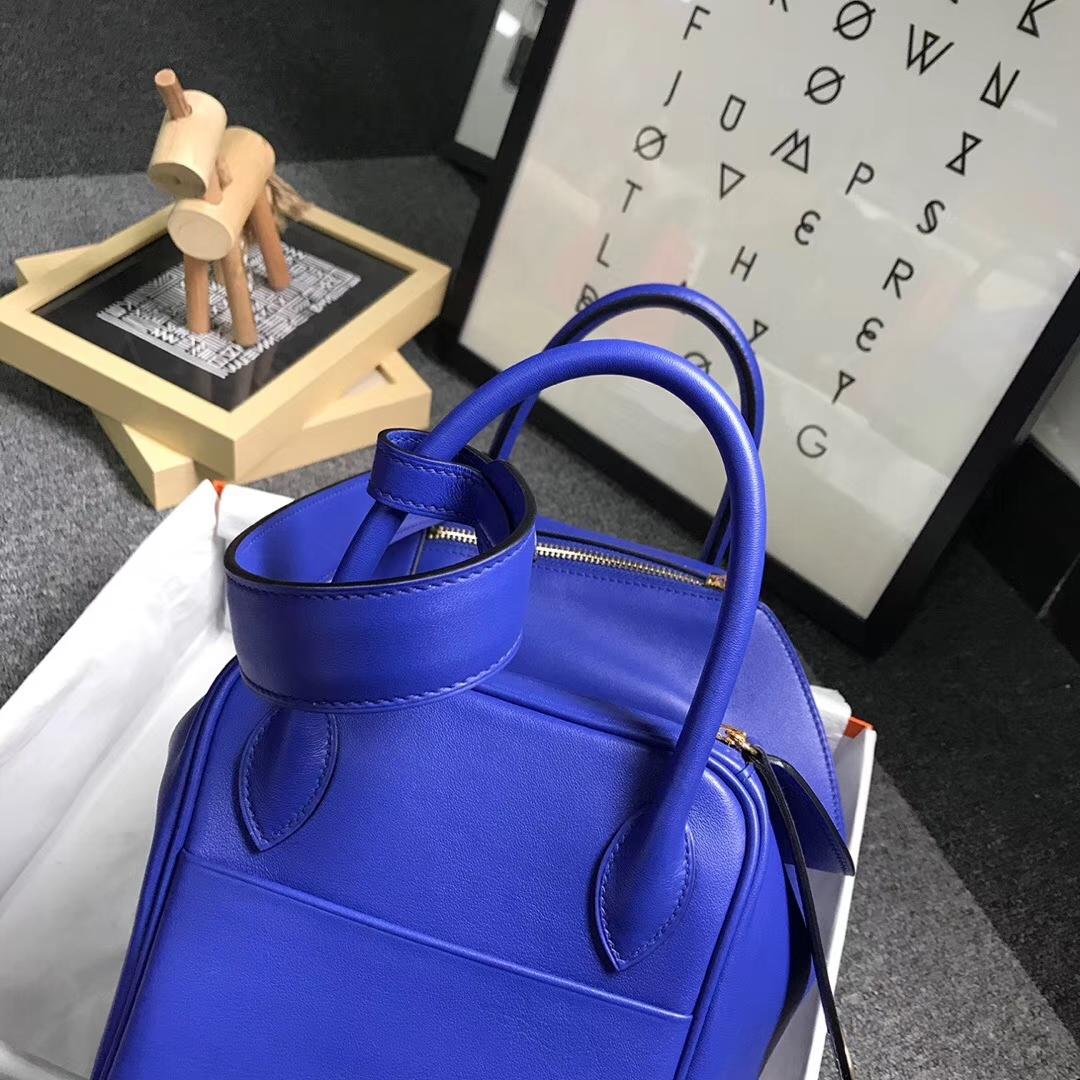 Hermès(爱马仕)电光蓝 原厂御用顶级Swift 皮 Lindy 30 金扣