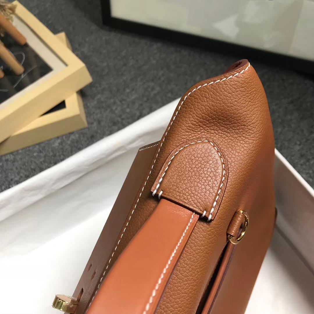 Hermès(爱马仕)金棕色 原厂御用顶级小牛皮拼Swift 皮 2424 金扣