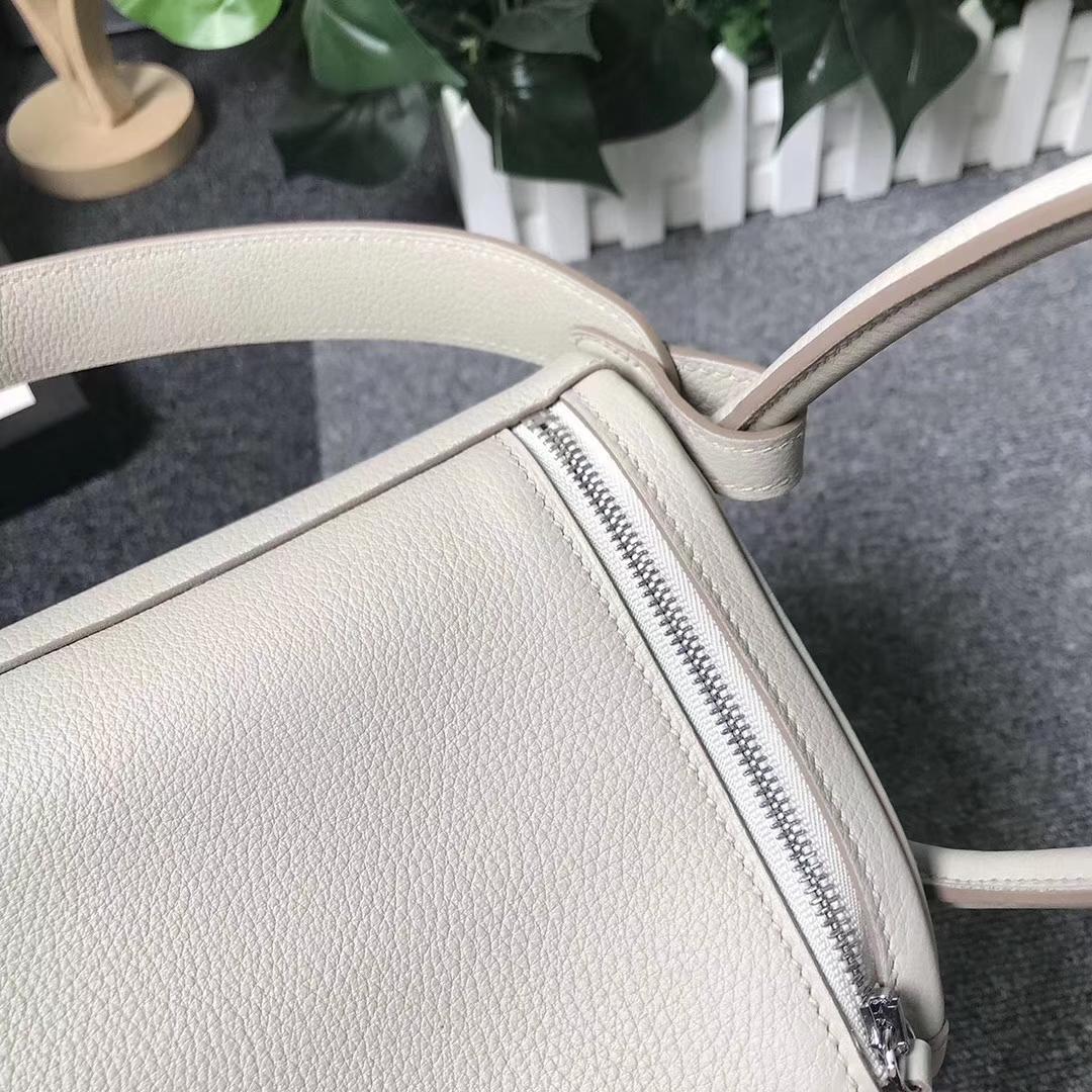 Hermès(爱马仕)C80 珍珠灰 原厂御用顶级小牛皮 Lindy 26 银扣