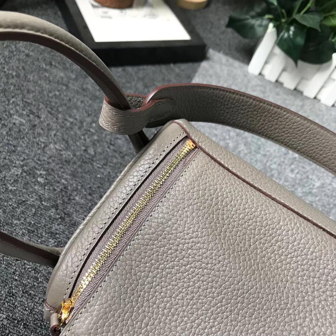 Hermès(爱马仕)3Q新樱花粉 原厂御用顶级小牛皮 Lindy 30 银扣