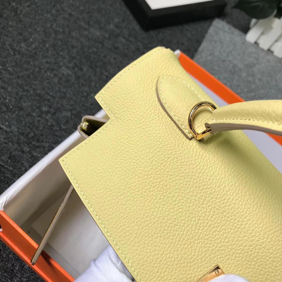 Hermès(爱马仕)1Z小鸡黄 原厂御用顶级小牛皮 Kelly 32 金扣