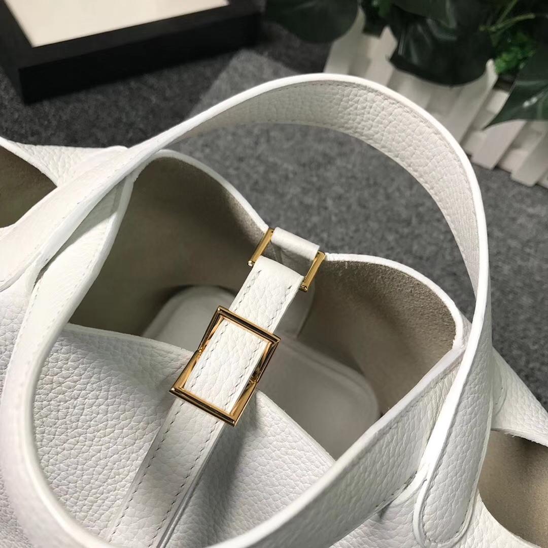 Hermès(爱马仕)纯白色 原厂御用顶级TC 皮 Picotin  Lock 18cm 金扣