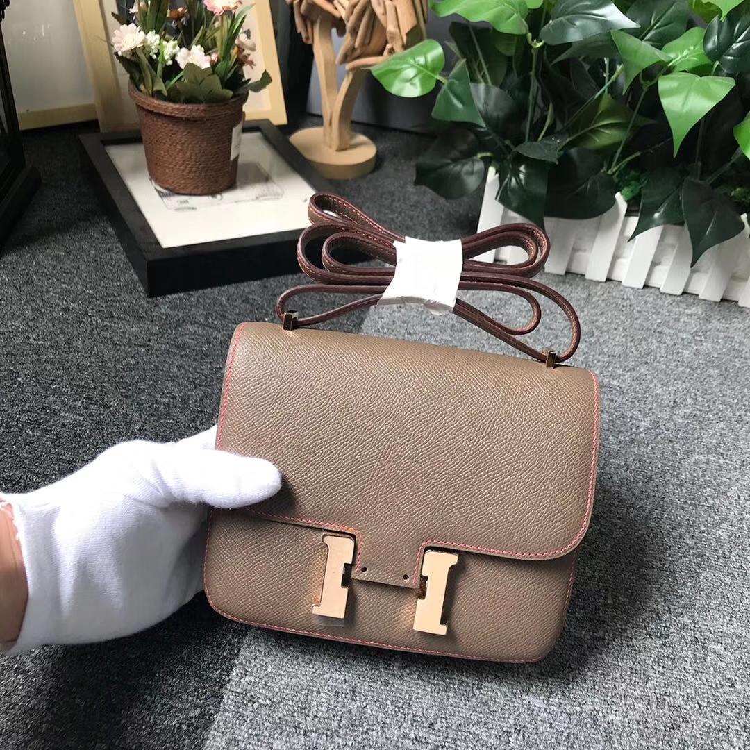 Hermès(爱马仕)大象灰拼琥珀黄 原厂御用顶级Epsom 皮 Constance 19 玫瑰金扣