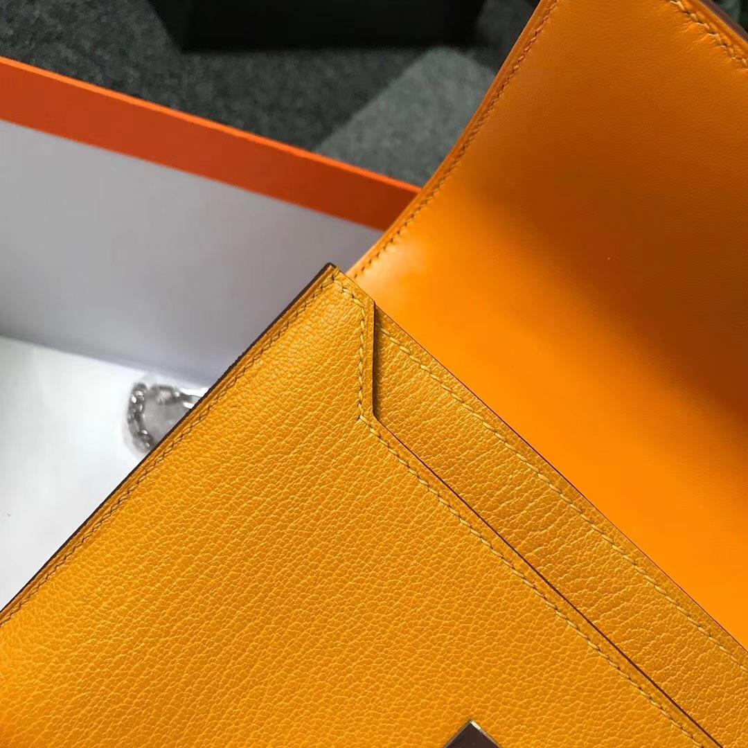 Hermès(爱马仕)芥末黄 原厂御用顶级山羊皮 Verrou 插销包 现货