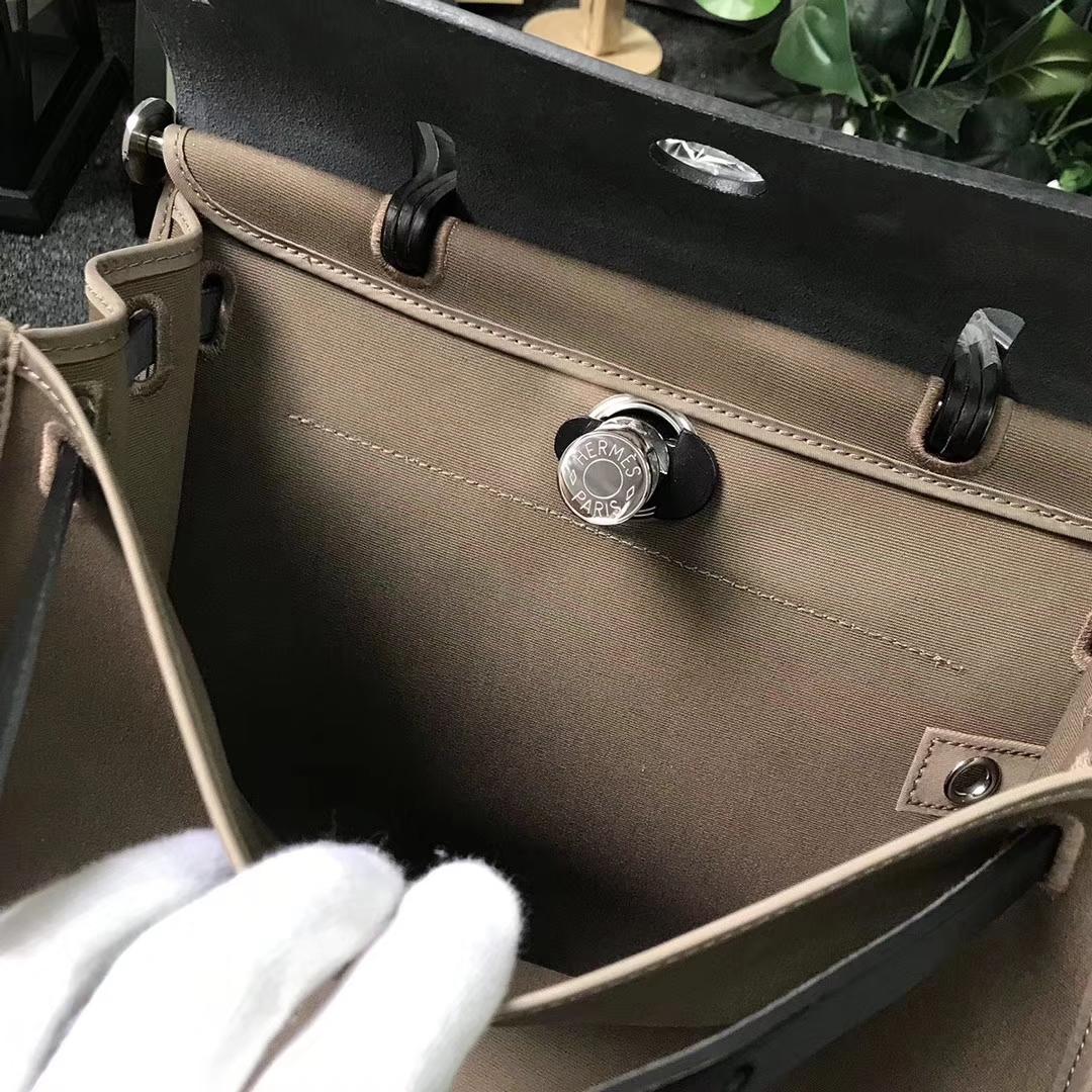 Hermès(爱马仕)黑色 马鞍皮拼大象灰灰帆布 Herbag 31 现货