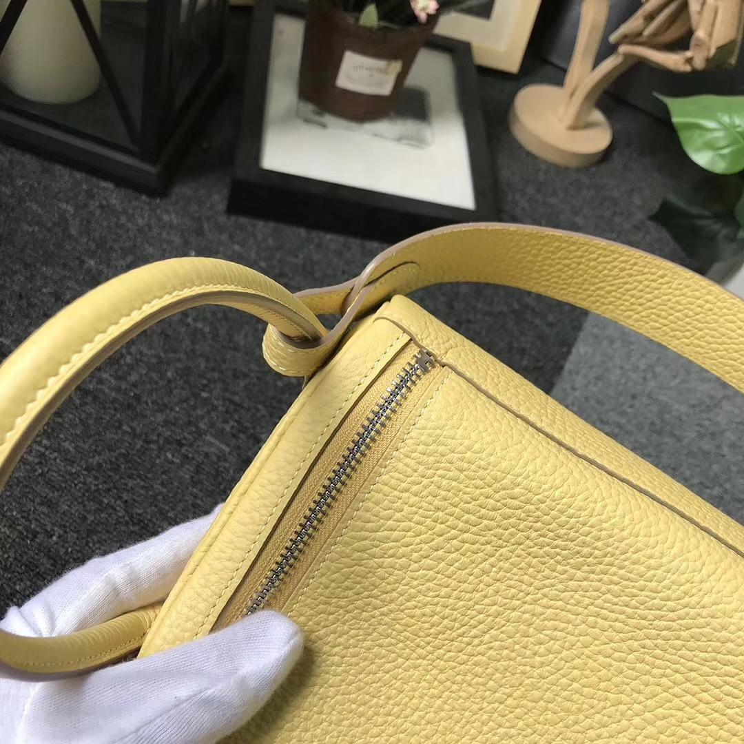 Hermès(爱马仕)1Z小鸡黄 原厂御用顶级TC 皮 Lindy 30 银扣
