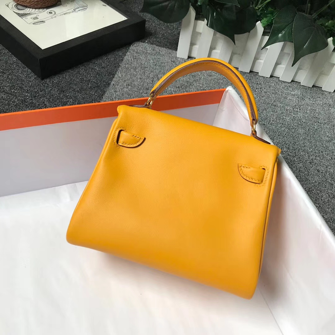 Hermès(爱马仕)芥末黄拼橘色 原厂御用顶级Swift 皮 Kelly Doll 金扣