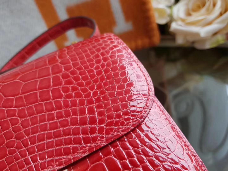 Hermès(爱马仕)constance 19cm 美洲鳄 亮面  A5杜鹃红 金扣 现货
