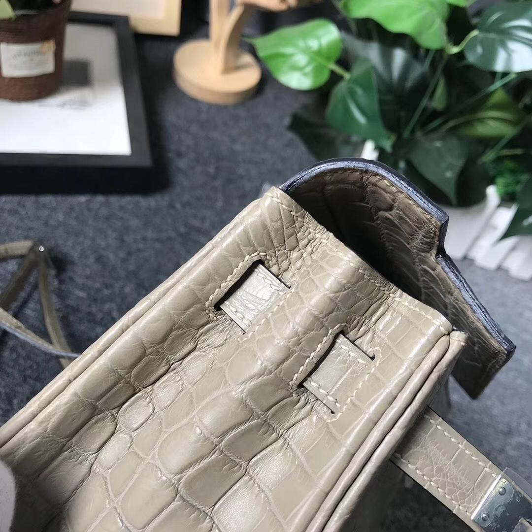 Hermès(爱马仕)CK81 斑鸠灰 原厂御用顶级鳄鱼皮 Kelly ado 银扣