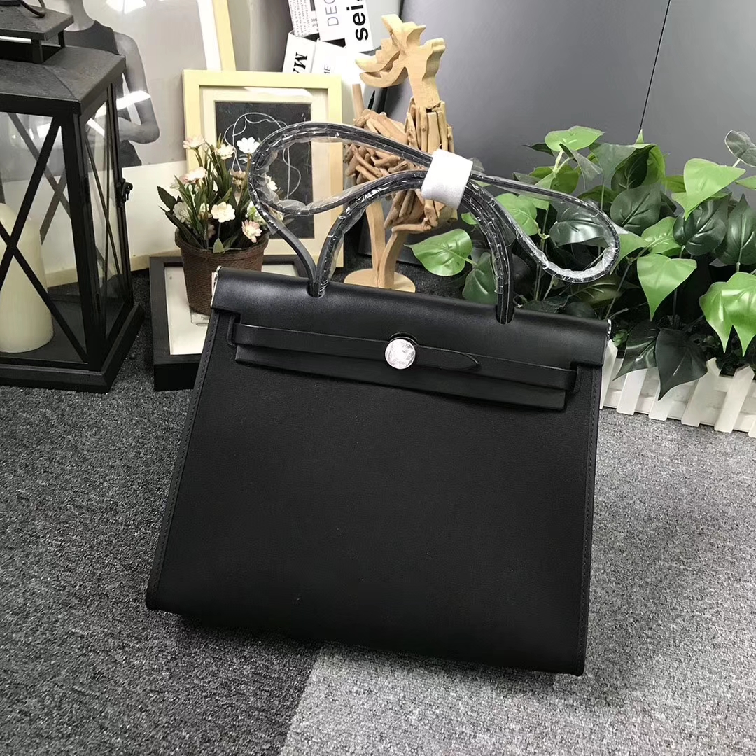 Hermès(爱马仕)黑色马鞍皮拼黑色帆布 Herbag 31 现货