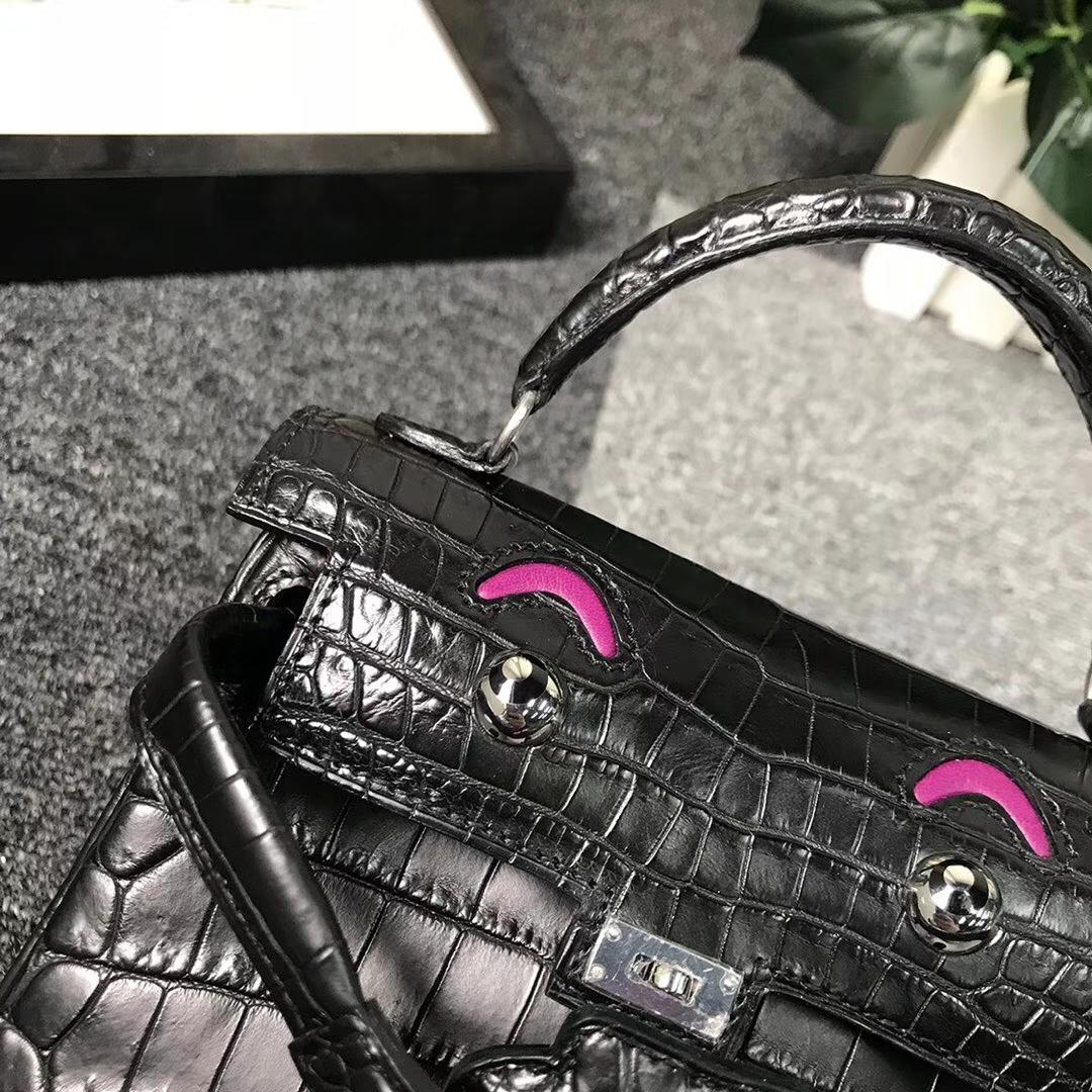 Hermès(爱马仕)黑色鳄鱼皮拼玫瑰紫色Swift 皮 Kelly doll 银扣